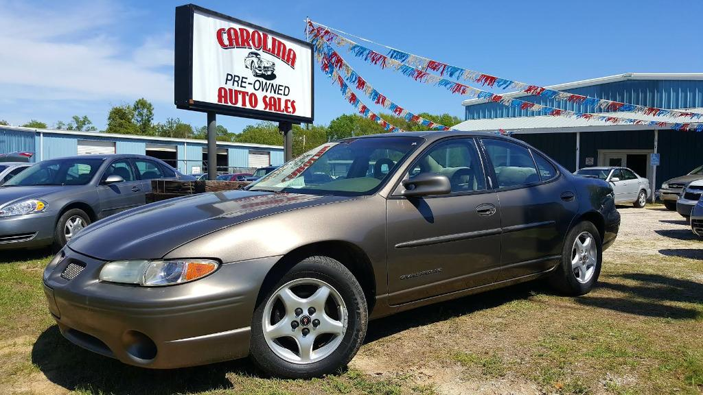 2002 Pontiac Grand Prix SE Beige Dual zone Air ConditioningManual Air ConditioningSeekscan Aud
