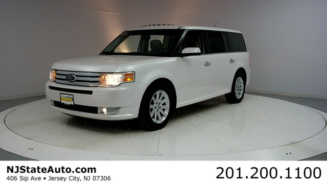 2010 FORD FLEX 4DR SEL AWD Clean CARFAX White Suede 2010 Ford Flex SEL AWD 6-Speed Automatic Dura