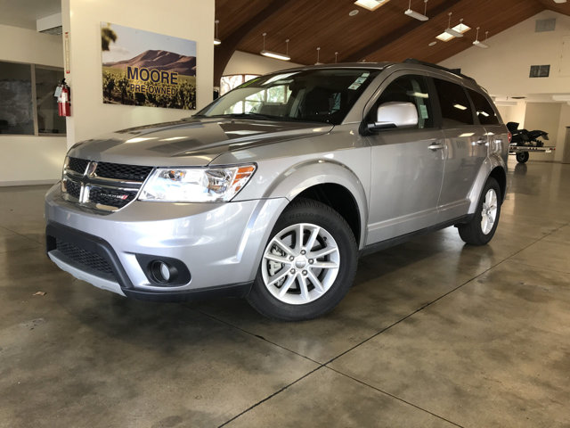 2017 DODGE JOURNEY  THIRD ROW SEATINGLOW MILES KEY FEATURES AND OPTIONS Comes equipped with