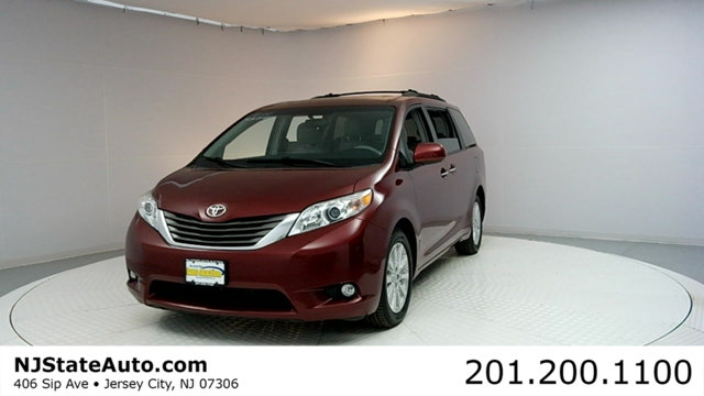 2011 TOYOTA SIENNA 5DR 7-PASSENGER VAN V6 XLE AWD CARFAX CERTIFIED 1-OWNER WITH SERVICE RECORDS