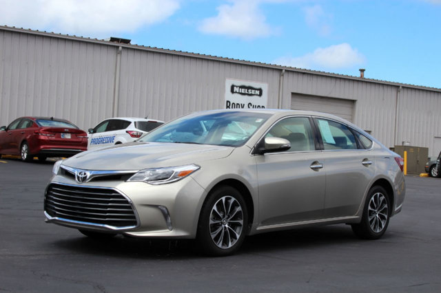 2016 TOYOTA AVALON 4DR SEDAN XLE LOADED WITH VALUE Comes equipped with Air Conditioning MP3 Bl