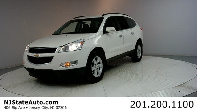 2012 CHEVROLET TRAVERSE AWD 4DR LT W1LT This 2012 Chevrolet Traverse 4dr AWD 4dr LT with 1LT feat