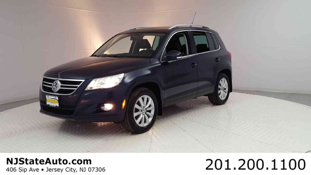 2011 VOLKSWAGEN TIGUAN 4WD 4DR S 4MOTION Clean CARFAX Night Blue 2011 Volkswagen Tiguan S 4Motion