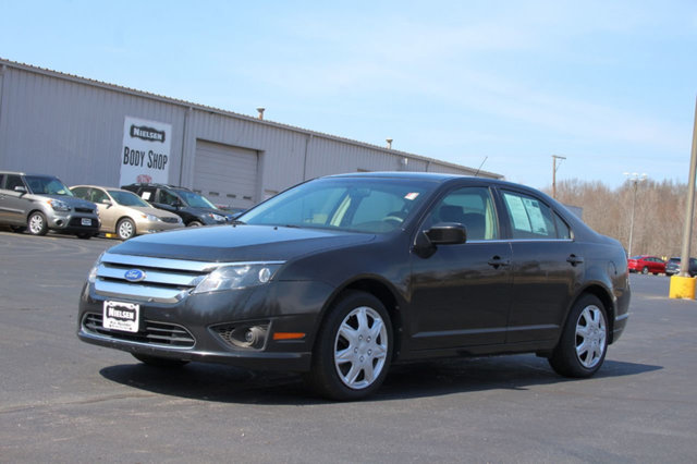 2011 FORD FUSION 4DR SEDAN SE FWD REST EASY With its 1-Owner  Buyback Qualified CARFAX report y