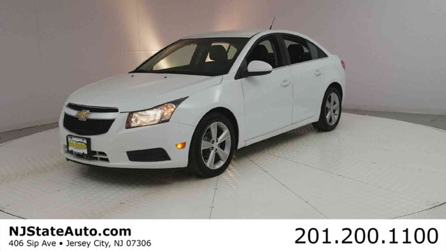 2012 CHEVROLET CRUZE 4DR SEDAN LT W2LT Clean CARFAX Summit White 2012 Chevrolet Cruze 2LT FWD 6-