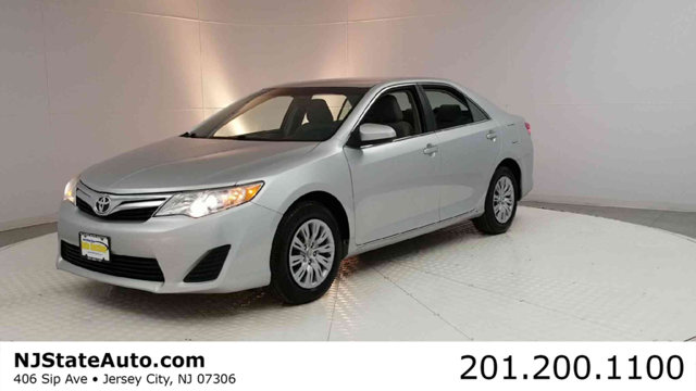 2012 TOYOTA CAMRY 4DR SEDAN I4 AUTOMATIC LE Clean CARFAX Classic Silver Metallic 2012 Toyota Camr