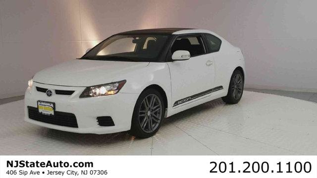 2013 SCION TC 2DR HATCHBACK MANUAL Clean CARFAX Super White 2013 Scion tC FWD 6-Speed Manual 25L