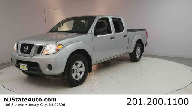 2012 NISSAN FRONTIER 4WD CREW CAB LWB AUTOMATIC SV CARFAX One-Owner Clean CARFAX Brilliant Silve