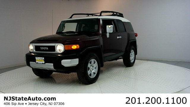2007 TOYOTA FJ CRUISER 4WD 4DR AUTOMATIC CARFAX CERTIFIED WITH SERVICE RECORDS 4WD A great