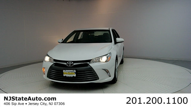 2016 TOYOTA CAMRY 4DR SEDAN I4 AUTOMATIC LE CARFAX CERTIFIED 1-OWNER WITH SERVICE RECORDS Camr