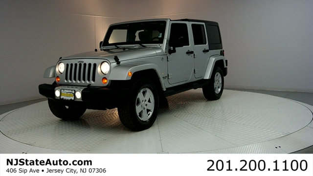 2011 JEEP WRANGLER UNLIMITED 4WD 4DR SAHARA CARFAX CERTIFIED WITH SERVICE RECORDS Wrangler