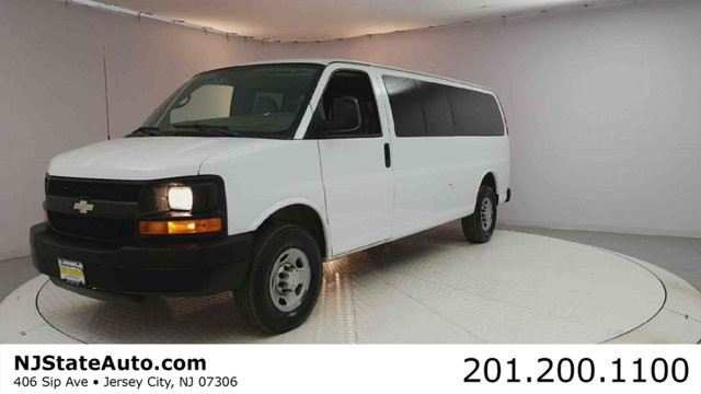 2008 CHEVROLET EXPRESS PASSENGER RWD 3500 155 Clean CARFAX Special Paint 2008 Chevrolet Express