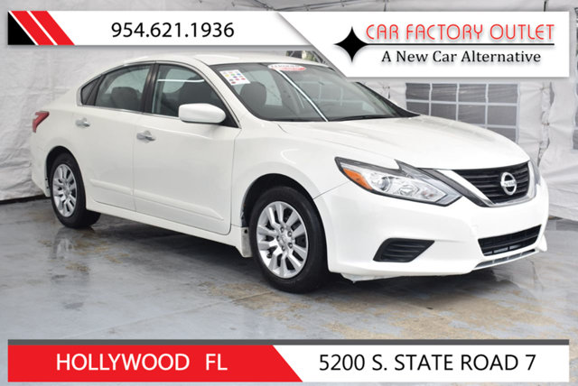 2016 NISSAN ALTIMA 4DR SEDAN I4 25 S This 2016 Nissan Altima 4dr 4dr Sedan I4 25 S features a 2
