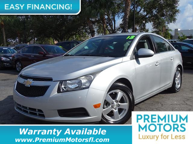 2013 CHEVROLET CRUZE 4DR SEDAN AUTOMATIC 1LT KEY FEATURES AND OPTIONS Comes equipped with Air Con