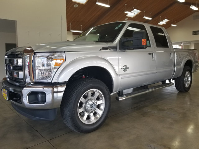 2015 FORD SUPER DUTY F-250 SRW LARIAT Recent Arrival Clean CARFAX BLUETOOTH ONE OWNER 4X4  AWD