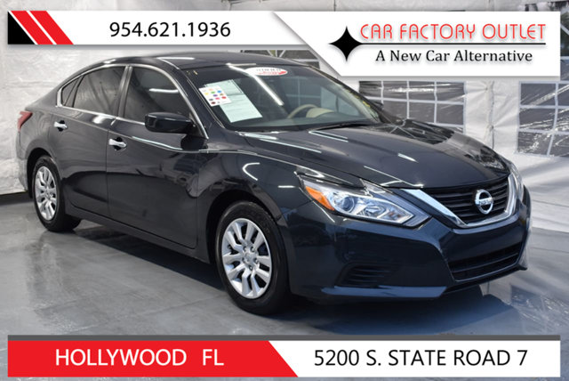 2017 NISSAN ALTIMA 25 This 2017 Nissan Altima 4dr 25 features a 25L 4 CYLINDER 4cyl Gasoline en