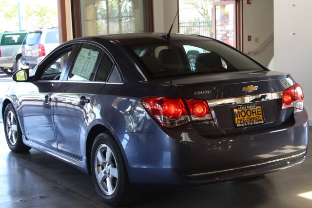 2013 CHEVROLET CRUZE NEW TIRESGAS SAVER KEY FEATURES AND OPTIONS Comes equipped with Air Co