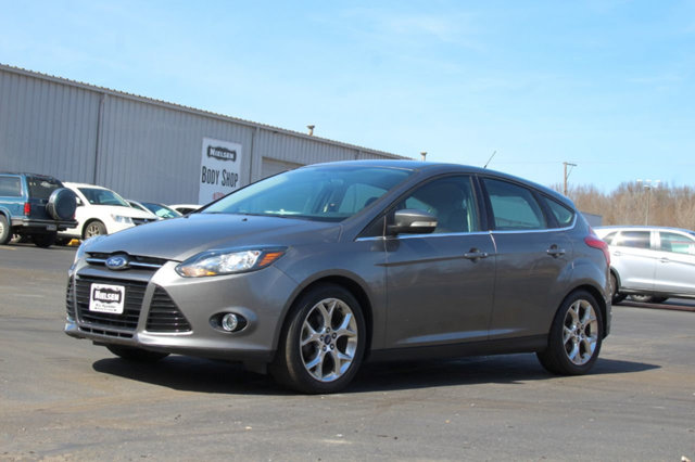 2014 FORD FOCUS 5DR HATCHBACK TITANIUM KEY FEATURES AND OPTIONS Comes equipped with Air Condition