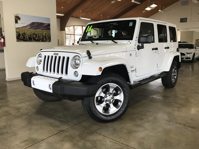 2016 JEEP WRANGLER UNLIMITED LOW MILESHARD TOP4X4HEATED REST EASY With its 1-Owner  Buybac