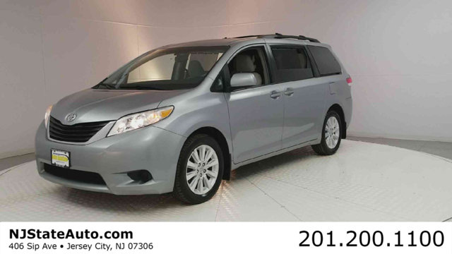 2011 TOYOTA SIENNA 5DR 7-PASSENGER VAN V6 LE AWD Clean CARFAX Silver Sky Metallic 2011 Toyota Sie