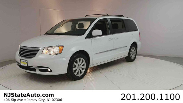 2015 CHRYSLER TOWN  COUNTRY 4DR WAGON TOURING Bright White Clearcoat 2015 Chrysler Town  Country