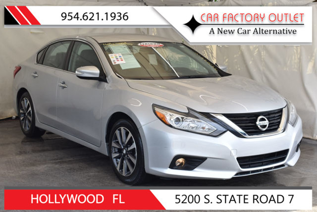 2017 NISSAN ALTIMA 25 S This 2017 Nissan Altima 4dr 25 S features a 25L 4 CYLINDER 4cyl Gasolin