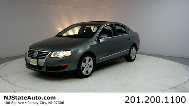 2008 VOLKSWAGEN PASSAT SEDAN 4DR AUTOMATIC KOMFORT FWD CARFAX CERTIFIED WITH SERVICE RECORDS