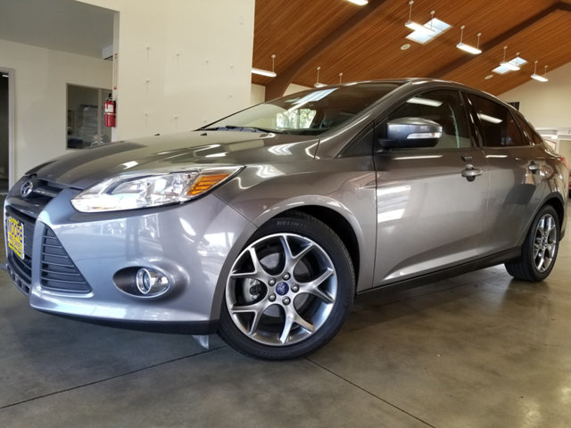 2014 FORD FOCUS 4DR SEDAN SE EXTREMELY LOW MILES Get the best value from your vehicle purchase T