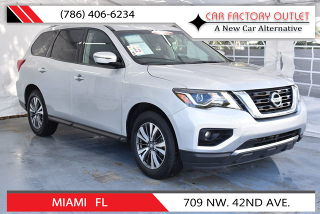 2017 NISSAN PATHFINDER 4X4 S This 2017 Nissan Pathfinder 4dr 4x4 S features a 35L V6 CYLINDER 6cy