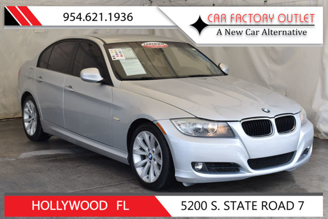 2011 BMW 3 SERIES 328I This 2011 BMW 3 Series 4dr 328i features a 30L STRAIGHT 6 CYLINDER 6cyl Ga