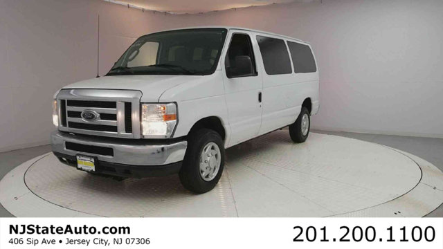2013 FORD ECONOLINE WAGON E-350 SUPER DUTY XLT Oxford White 2013 Ford E-350SD XLT RWD 4-Speed Auto