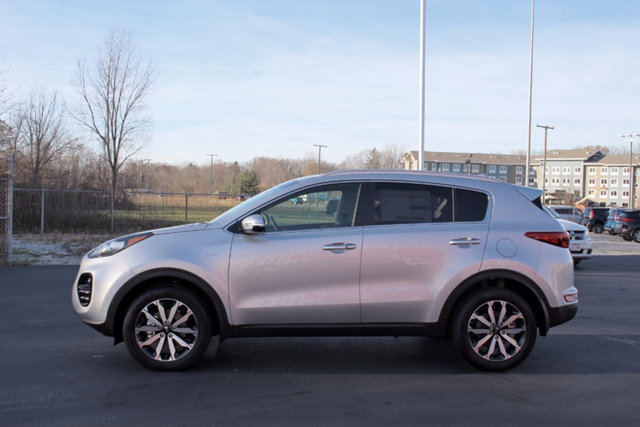 2018 KIA SPORTAGE EX AWD LOADED WITH VALUE Comes equipped with Air Conditioning Bluetooth Fron