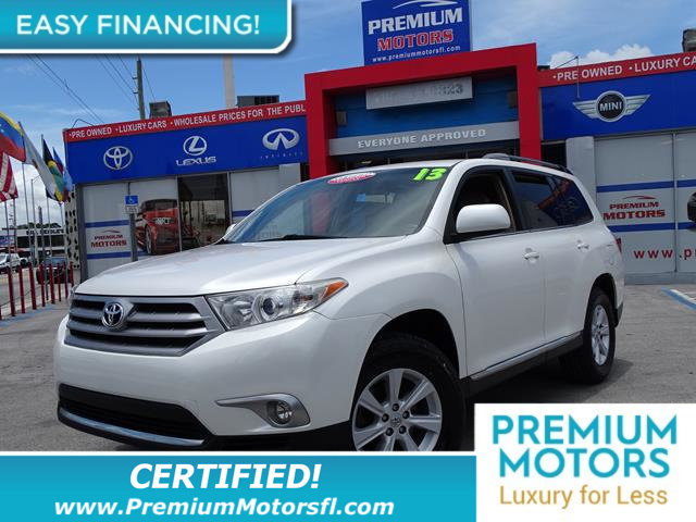 2013 TOYOTA HIGHLANDER  LOADED CERTIFIED WE SAVE YOU THOUSANDS Fully serviced just sign and dr
