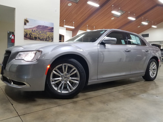 2017 CHRYSLER 300 LOW MILESNON SMOKER STEERI BUY AND DRIVE WORRY FREE Own this CARFAX 1-Own