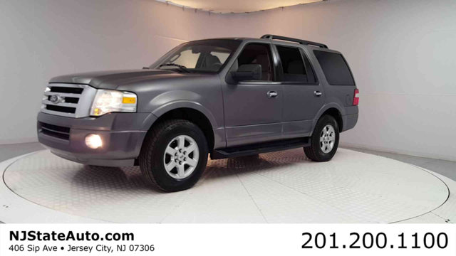 2010 FORD EXPEDITION 4DR XLT Clean CARFAX Sterling Gray Metallic 2010 Ford Expedition XLT RWD 6-S
