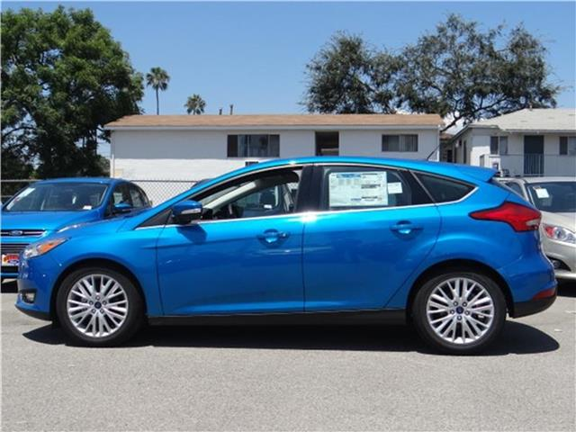 2015 Ford Focus Titanium Hatchback Miles 1Color BLUE CANDY META Stock M52576 VIN 1FADP3N22FL