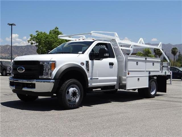 2017 Ford F-550 Chassis F550 4X2 CHASC Miles 1Color OXFORD WHITE Stock M73054 VIN 1FDUF5GT9
