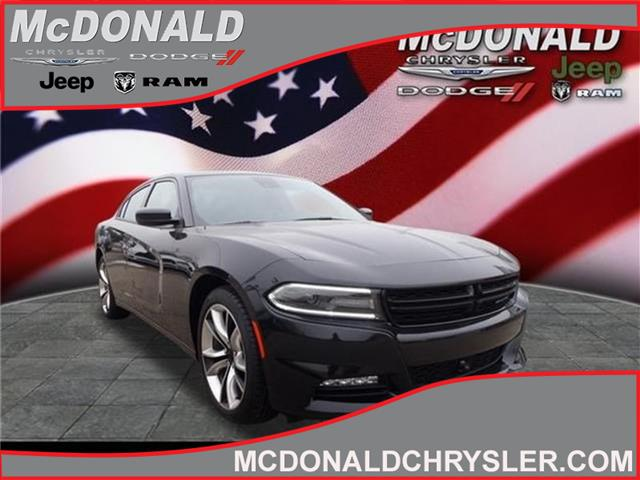2015 Dodge Charger SXT Rear-Wheel Drive Sedan
