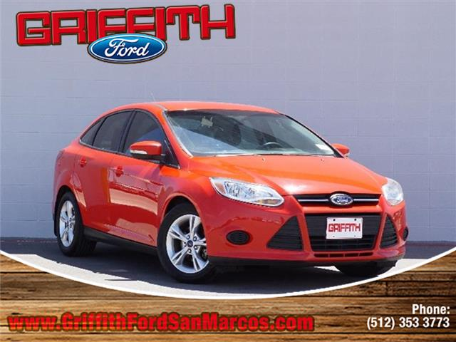 2014 Ford Focus SE Sedan Look no further this 2014 Ford Focus SE 4dr Sedan is just what youre loo