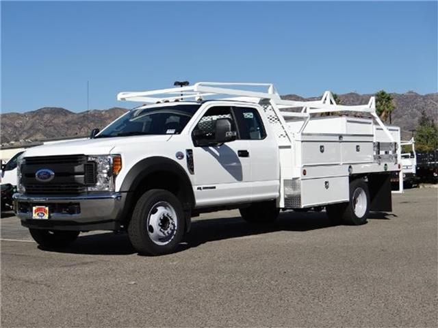 2017 Ford F-450 Chassis F450 4X2 SC CC Miles 1Color OXFORD WHITE Stock M73433T VIN 1FD0X4G
