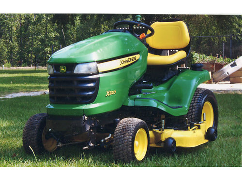 MOWER riding John Deere x320 kawasaki 2cyl 23hp 48 cut deck auto air cooled 5yrs old 2250 fo