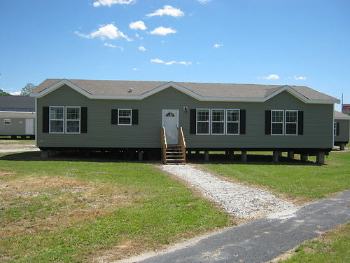 DELAIGLE HOME CENTER 4 or 5 Bedroom 3 Bath 2 Separate Living Room Plus Bonus Room Call 855-890-78