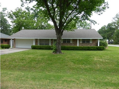 Augusta 3br 2ba Large Home 655mo Call Bob Hale Realty 706-796-2274 or text rent2own to 706-840-466