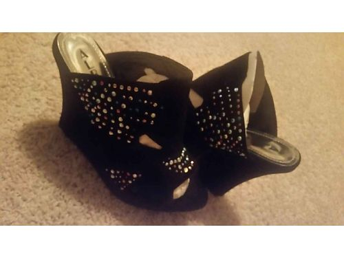 SHOES WOMEN size 11 brand new wedge black in color with assorted colored rhinestones xc for dini