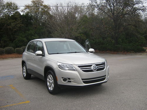 2009 VOLKSWAGEN TIGUAN 88k miles 30mpg silver like new well maintained 7995 firm 706-799-9556