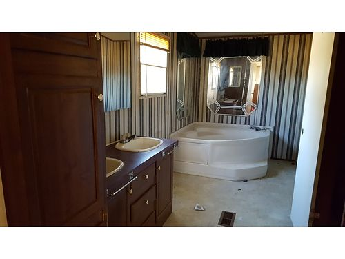 SHORT SALE 32X56 42 Glamour Bath AC Wind Zone II 29116 803 649-9699 csradiscounthomescom