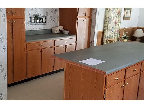 Lovely Value Priced 32 Breakfast Bar  Central AC 23112 803-649-9699 wwwcsradiscounthomescom