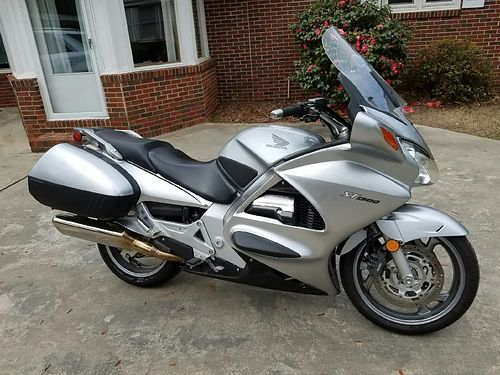 2007 HONDA ST1300 low miles fresh serviced with falcon defender and garmin gps vgc 6000