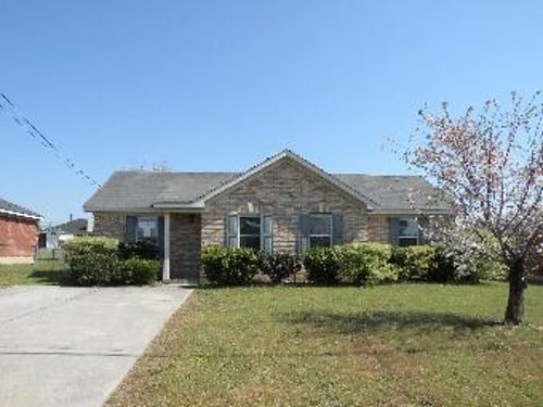 Rent 2 Own This 3br 2ba Home 655mo Call Bob Hale Realty 706-796-2274 or text rent2own to 706-840