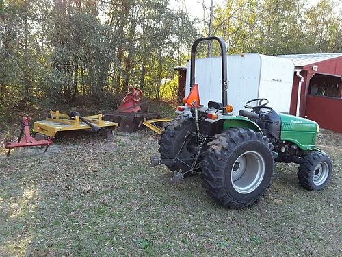 TRACTOR  EQUIPMENT montana tractor with less than 1900hrs includes new bush hog new hay spear se